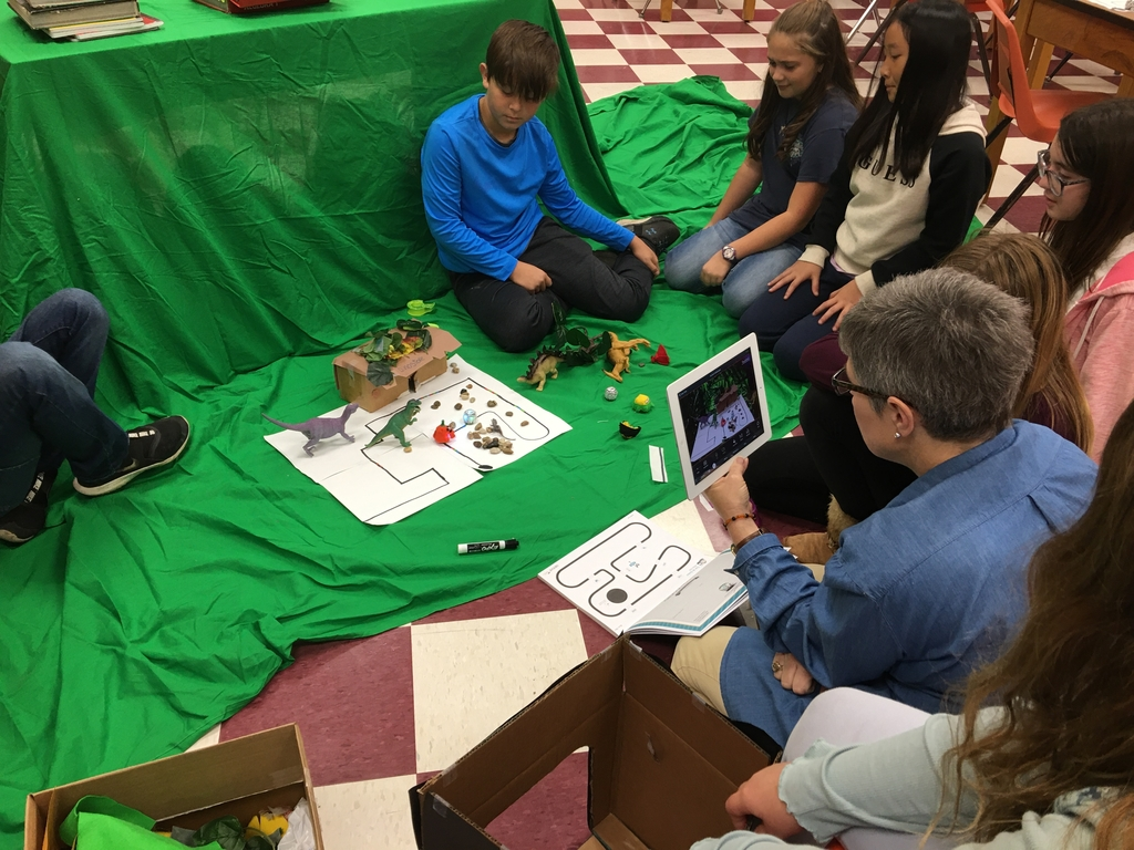 Oden GT making green screen video with Ozobots