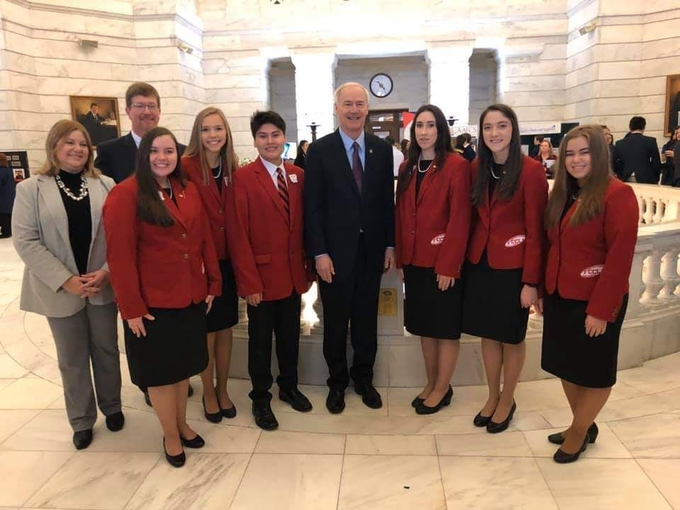 Gov. Hutchinson & the Arkansas FCCLA State Officer Team