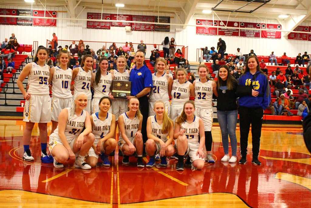 2020 Senior Girls Regional Champions: Acorn Lady Tigers